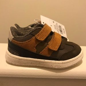NWT Cat & Jack Casey brown suede size 5